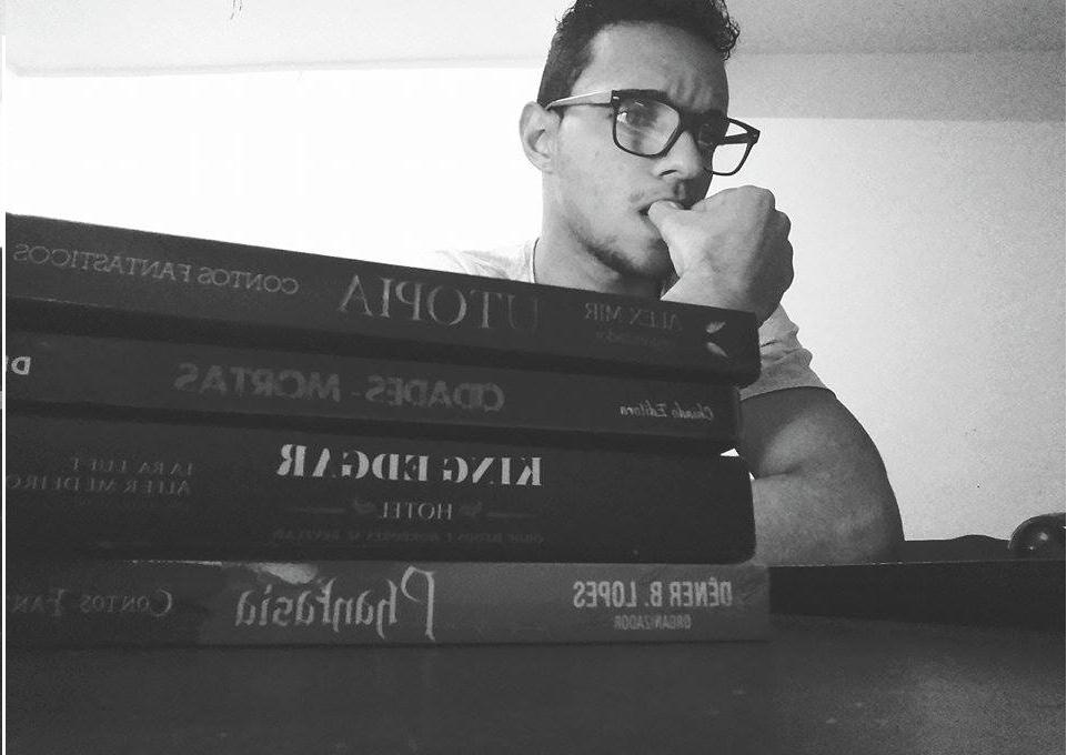 O autor Dêner B. Lopes com o sucesso: Cidades Mortas e demais produções suas.