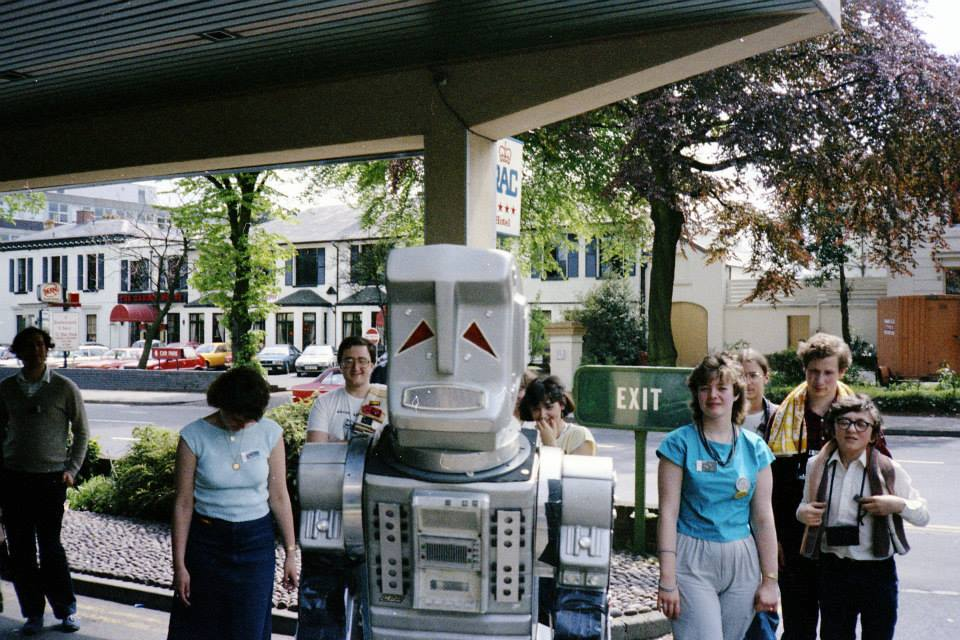 Fora do hotel, em 1985