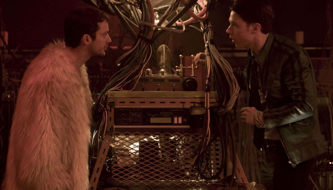 dirk-gently-todd-time-machine-106